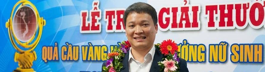 TS. Phạm Mạnh Hùng nhận Giải thưởng